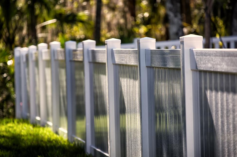 vinyl-fencing-comparison