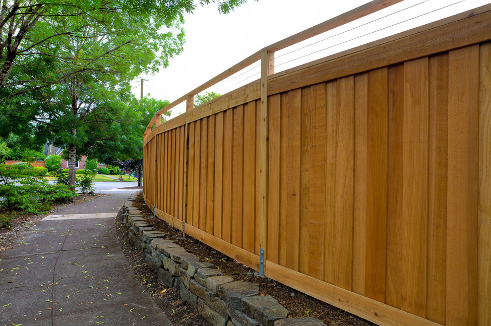 cedar-wood-backyard-fence