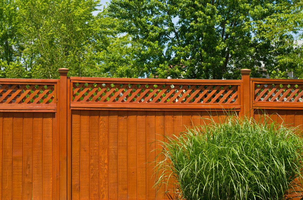 wood-residential-fence-lincolnshire