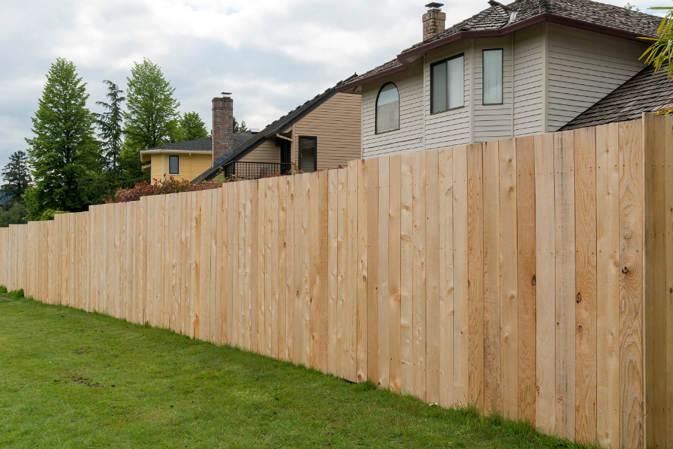 wooden-backyard-fence-arlington-heights