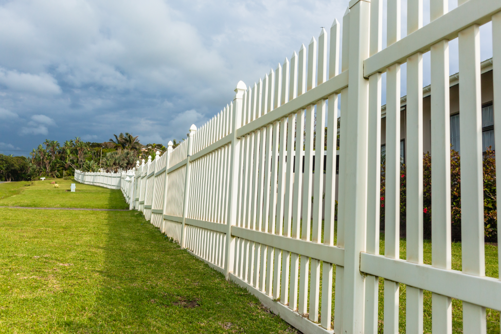 residential-pvc-fencing-northbrook