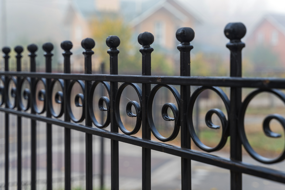 wrought-iron-fence-maintenance-arlington-heights