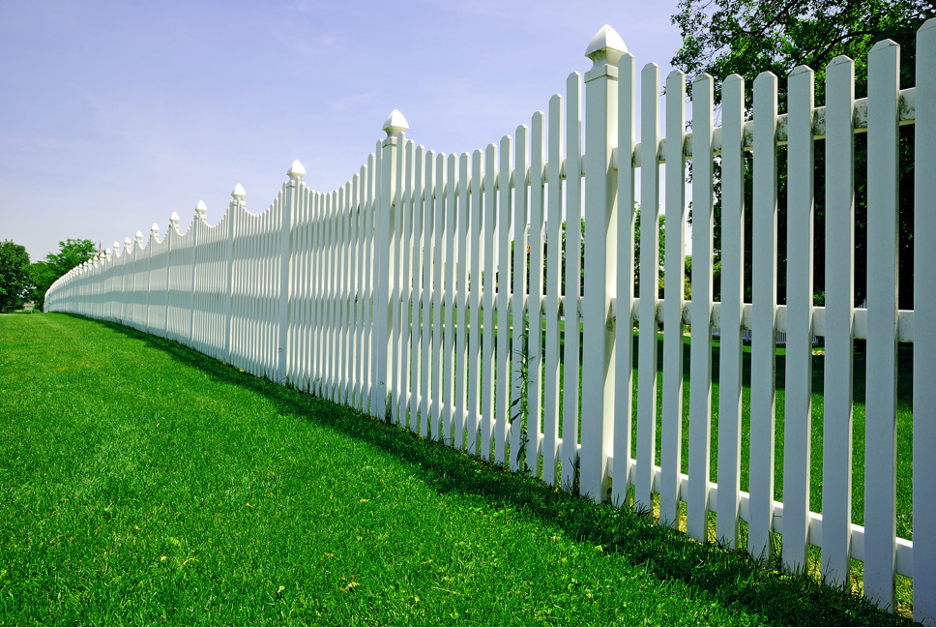 White wood fence around a residential property in Glenview, Illinois