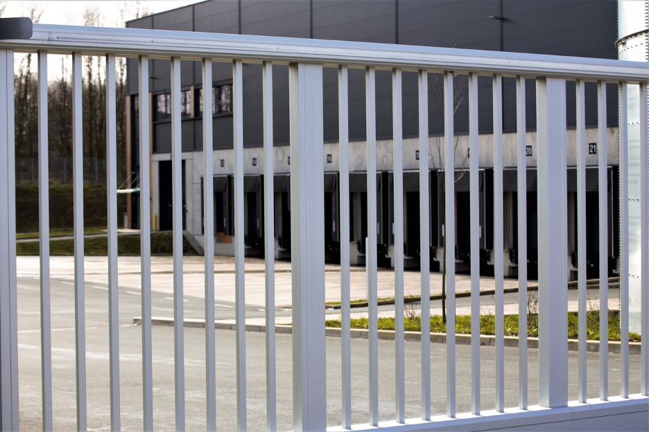 Commercial fence outside of a property in Evanston, Illinois